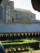 chiostro e chiesa